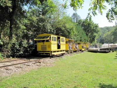 Ma & Pa Railroad Village Fall Leaf Excursions