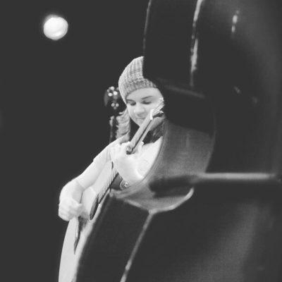 Live Music: Suzi Brown