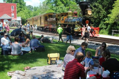 BYOPicnic with bluegrass music at Hanover Junction...